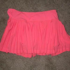 Lululemon pink pleated skirt